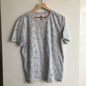 City streets t-shirt with monstera leaf pattern
